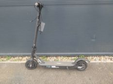 Reed electric scooter with charger