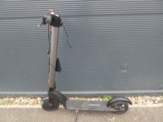 Aiser Baas electric scooter with charger