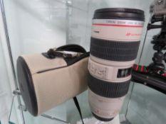 Canon Zoom Lens EF 70-200mm 1.2.8L IS USM lens