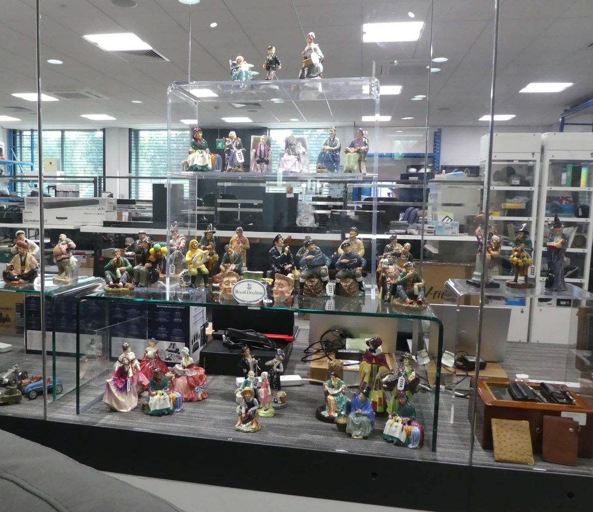 Saleroom 2 Electrical & Collectable Items