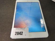 Apple iPad Mini 16gb wifi only model A1432 (cracked screen)