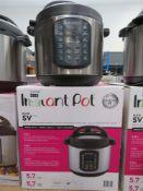 (31) Instant Pot multi use pressure cooker