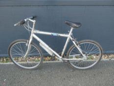 Giant silver gents bike