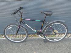 Diamondback gents bike