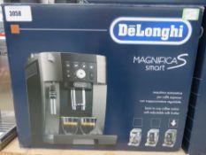 (TN77) DeLonghi Magnifica S smart coffee machine