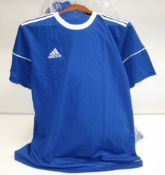 Bag containing approx 50 Adidas short sleeve blue tops
