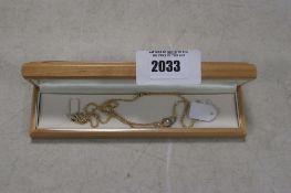 14kt 585 hallmarked necklace with case