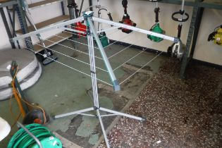 Portable wise and fall clothes dryer