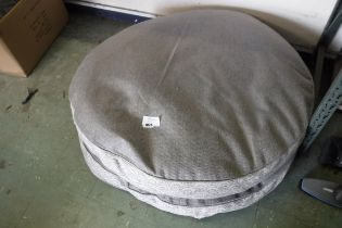 2 large diameter round dog beds