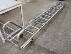 Aluminium double extending ladder with stand off