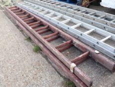 (1106) Wooden double extending ladder