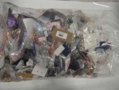 Bag of assorted costume jewellery