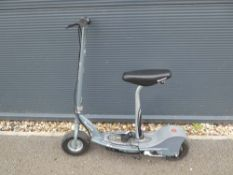 Electric Razor scooter with power supply