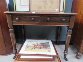 Victorian mahogany entailed leather writing table