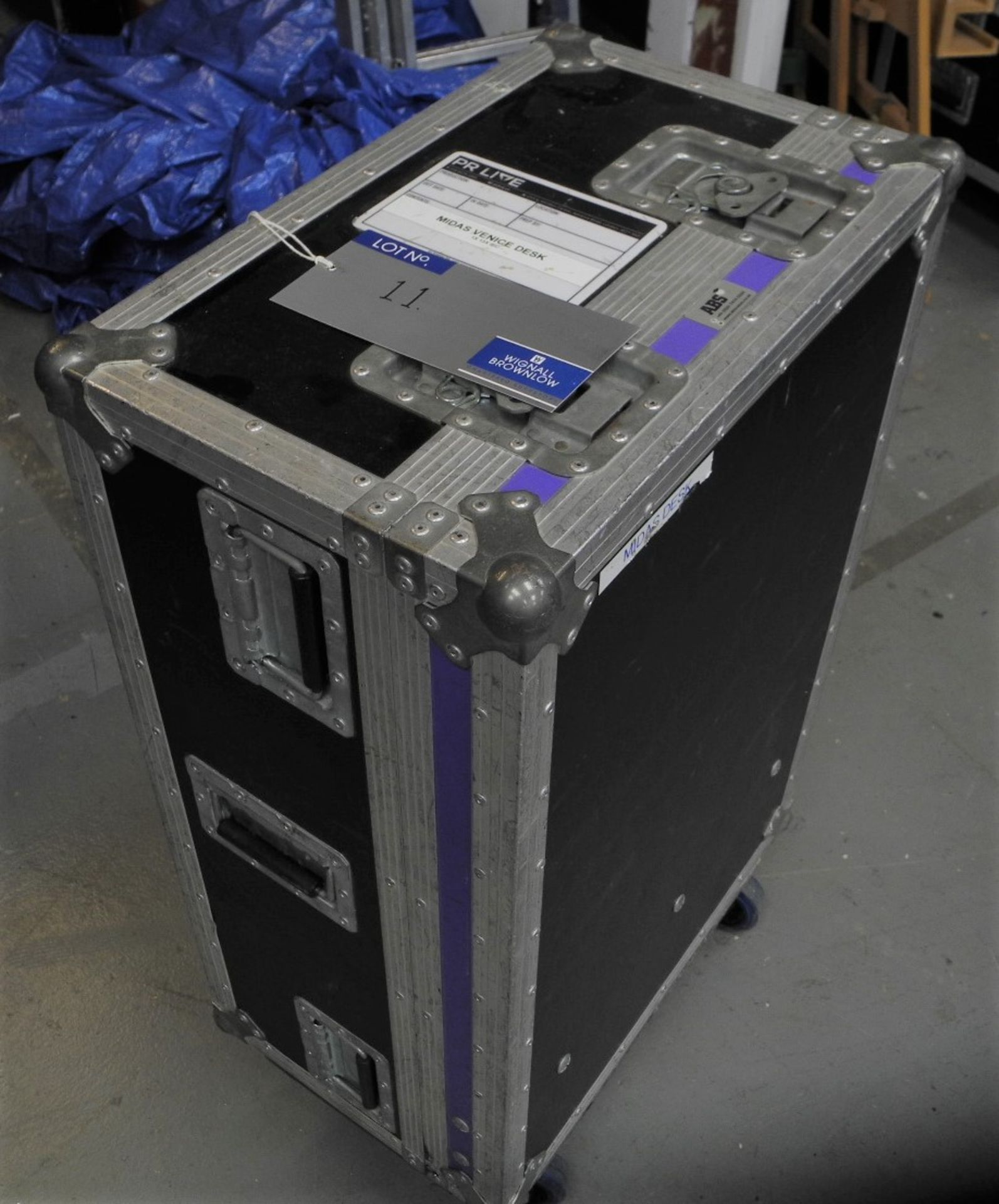A Midas Venice 160 Analogue Sound Desk with flight case, 16 in 8 out, immaculate condition, full - Image 3 of 3