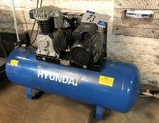 A Hyundai HY3150S Receiver Mounted Air Compressor No.222003HY3150S00100, 3HP, 150 litre, 10 bar,
