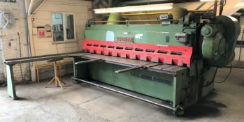 A Cincinnati Series 2510 Mechanical Guillotine No. 10938, 10ft w, 3/8in MS capacity, 3 phase with