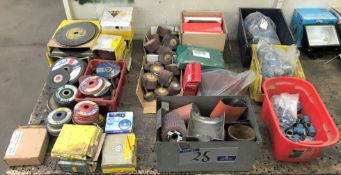 A Quantity of Assorted Grinding and Polishing Consumables including Cutting Discs, Polishing Wheels,