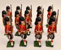 Vintage 13 Britain's Style Cast Metal Toy Soldiers 6cm Tall