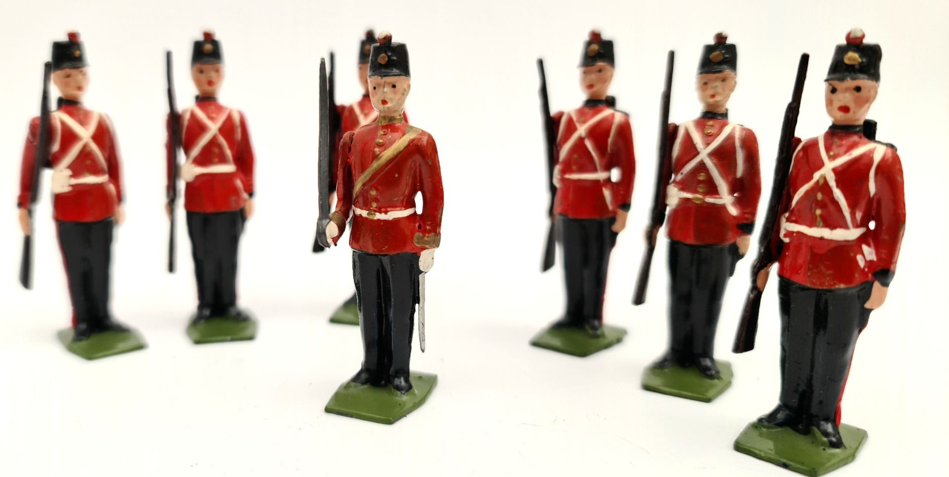 Vintage 7 Britain's Cast Metal Toy Soldiers 6cm tall - Image 2 of 3