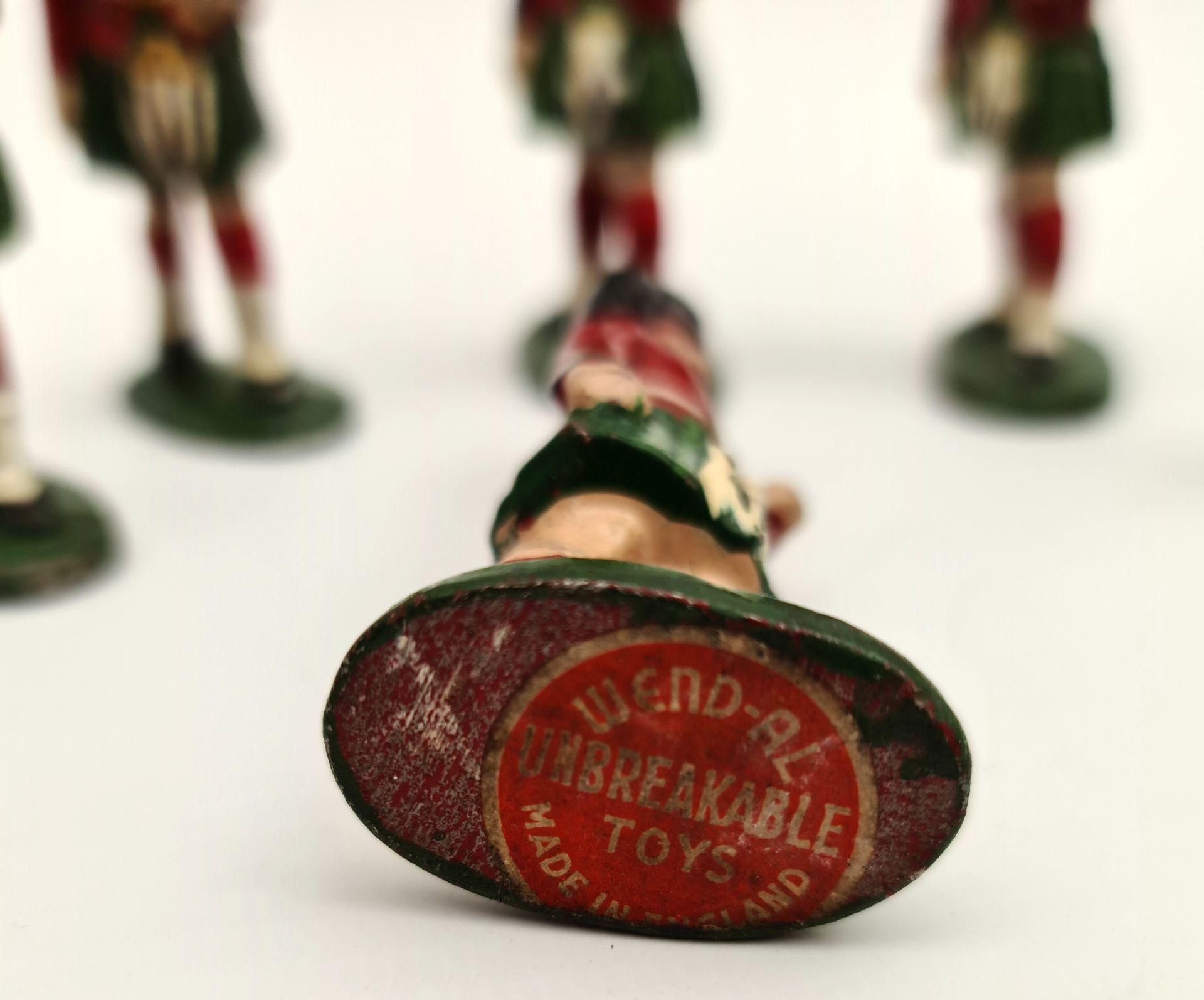 Vintage 6 x Wend-al Metal Toy Soldiers 7cm Tall - Image 2 of 2