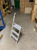 15 x three step aluminium folding ladder with support handle (white) (zzd3rh)
