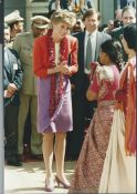 Royalty Original Press Photo Of Princess Diana & Staff Meeting People In India 1992 Fine Colour Pr