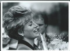 Royalty Fine Original Black & White Press Photo Of Princess Diana Laughing Flowers Fine Original Bl