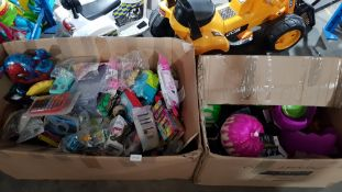 Contents Of 2 Boxes Ð Mixed Small KidÕs Toys
