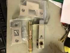 10X Sets Of Latches