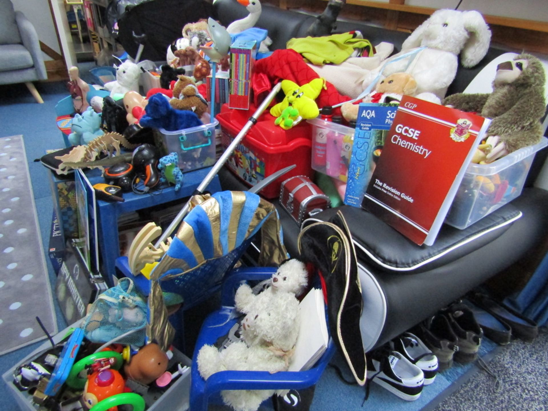 Pallet Load of USED Toys and Games. - Image 10 of 10