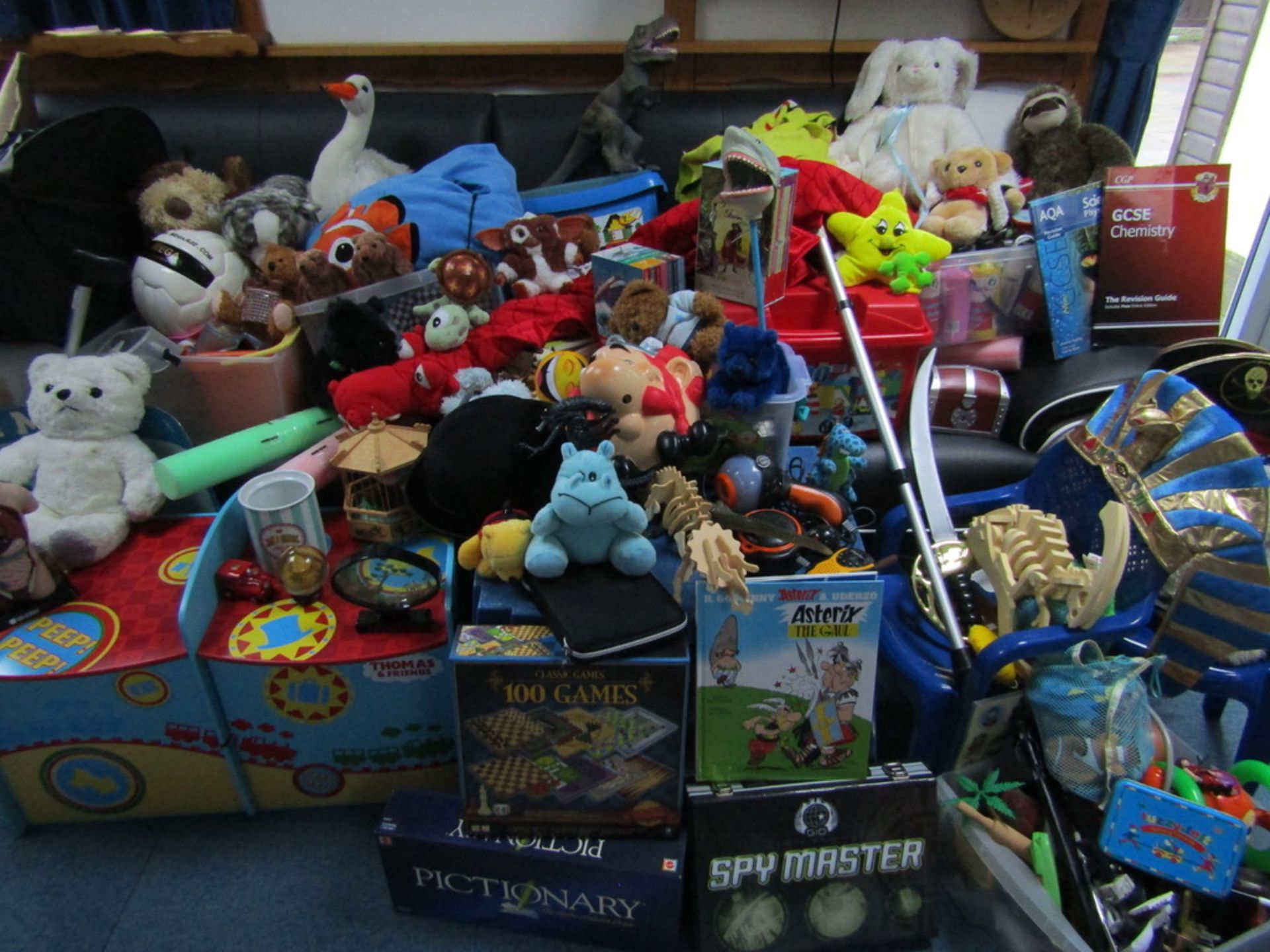 Pallet Load of USED Toys and Games. - Image 3 of 10