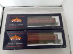 Bachmann 57ft 1st/3rd Corridor Carriage x2