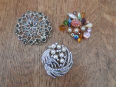 3 costume jewellery brooches