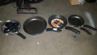 7 Items : 6 X Mixed Size Non tick Frying Pans & 1 X Egg Poacher Pan