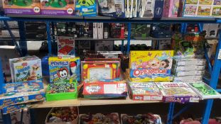 19 Items : Mixed Games To Include Operation, Dinosaur Operation, Pen Silly, Pop Up Pirate, Pottery