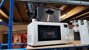 2 Items : 1 X 700W White Microwave & 1 X Deep Fat Fryer