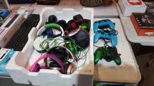 12 Items : 8 X Mixed Headphones To Include Turtle Beach, Power A, Mixx Audio & 2 X VX4 Premium PS4