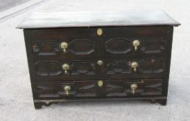C17th block fronted oak mule chest