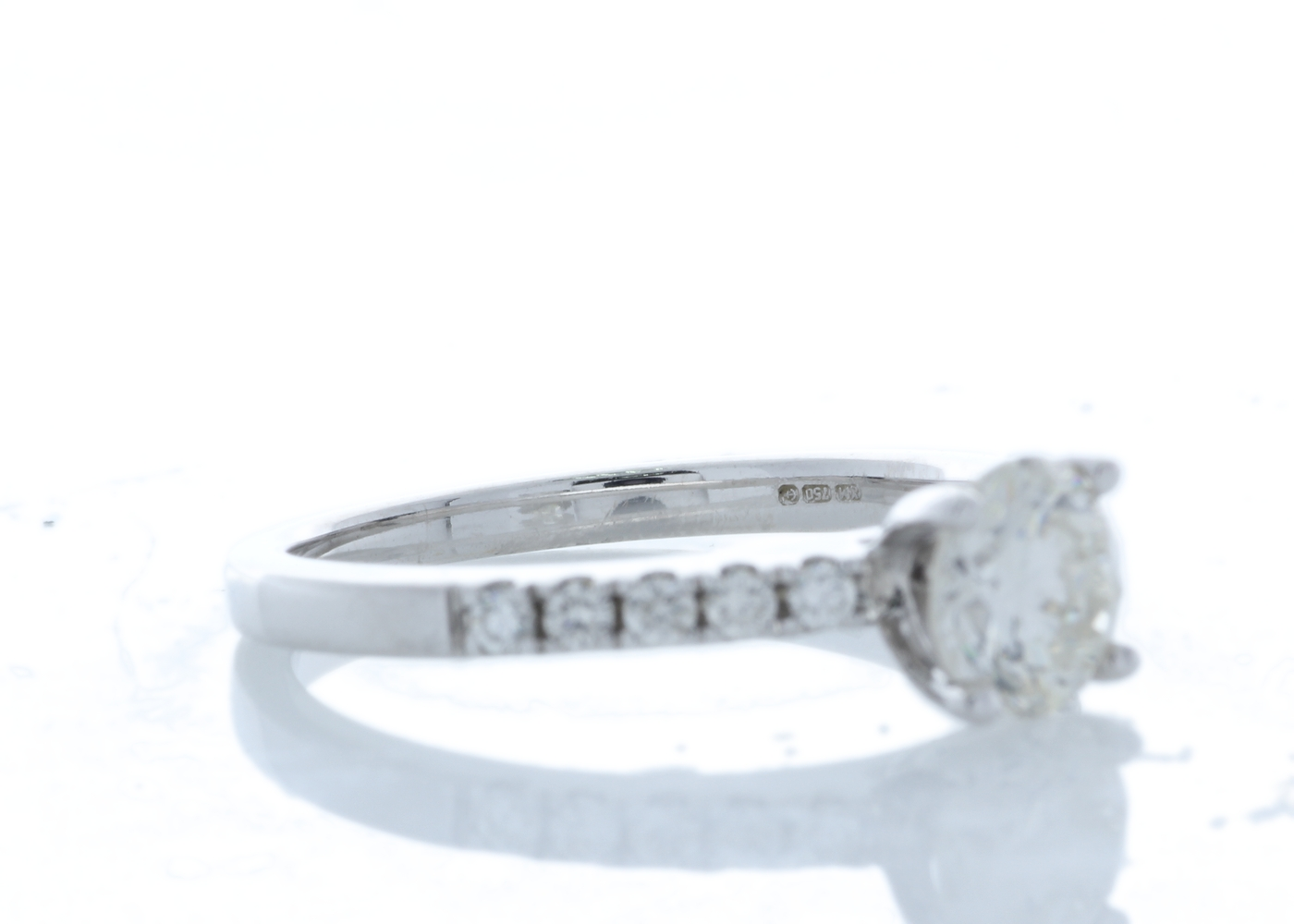 18ct White Gold Stone Set Shoulders Diamond Ring 0.90 Carats - Image 2 of 5
