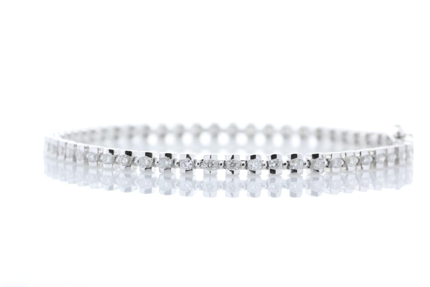 18ct White Gold Tennis Diamond Bracelet 1.82 Carats - Image 2 of 4