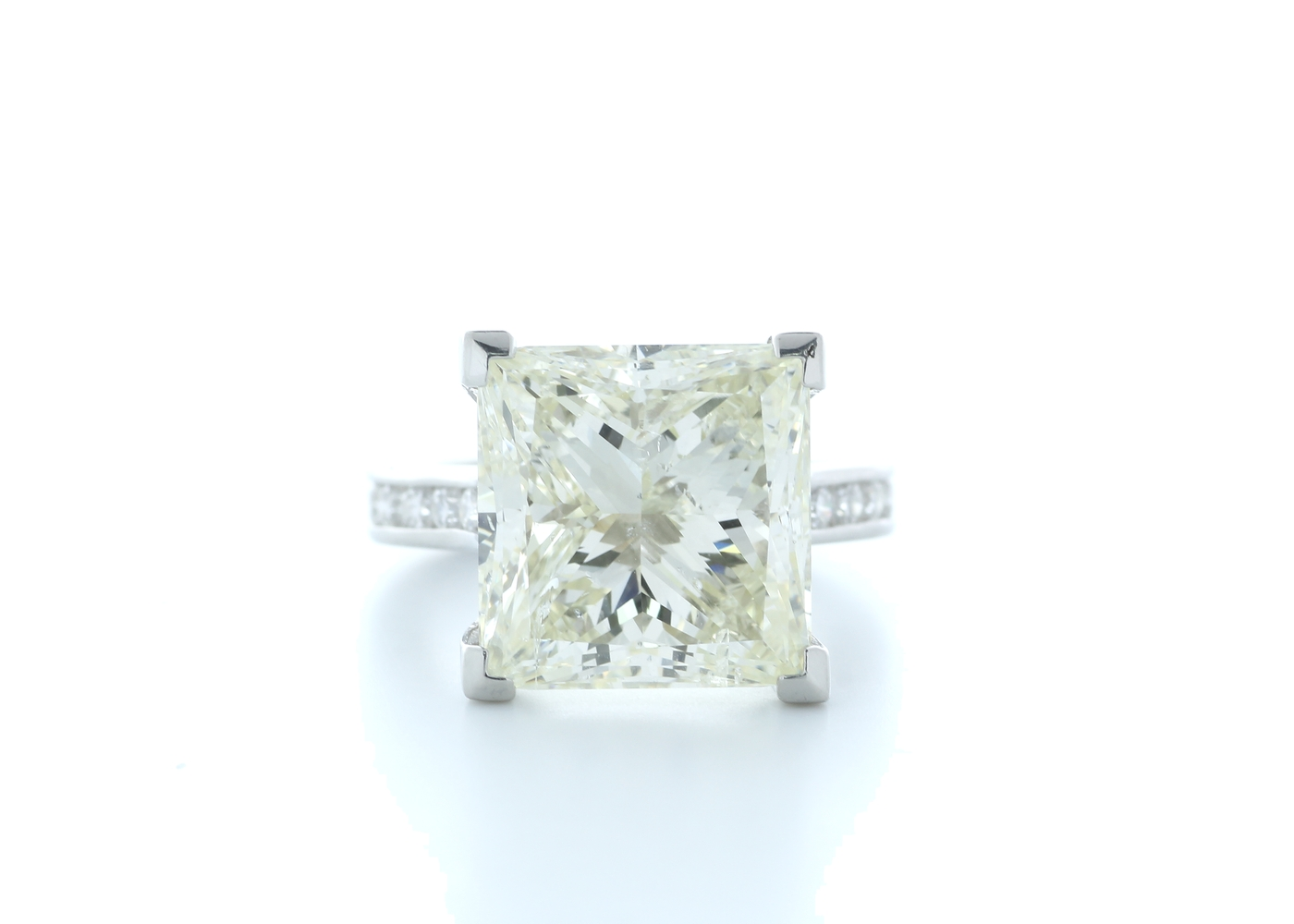 18ct White Gold Princess Cut Diamond Ring 10.00 Carats