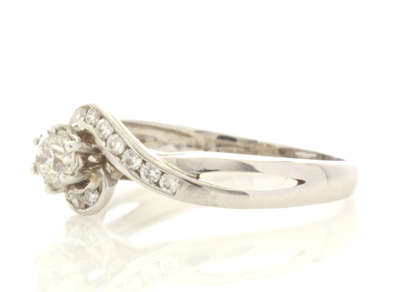 18ct White Gold Stone Set Shoulders Diamond Ring 0.61 Carats - Image 2 of 5