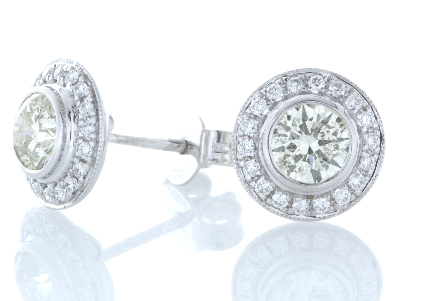 18ct White Gold Halo Set Diamond Earrings 1.20 Carats - Image 2 of 4