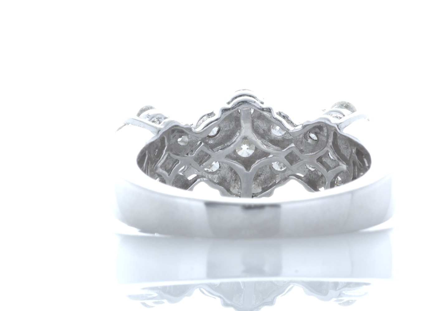 18ct White Gold Flower Cluster Diamond Ring 1.50 Carats - Image 3 of 5