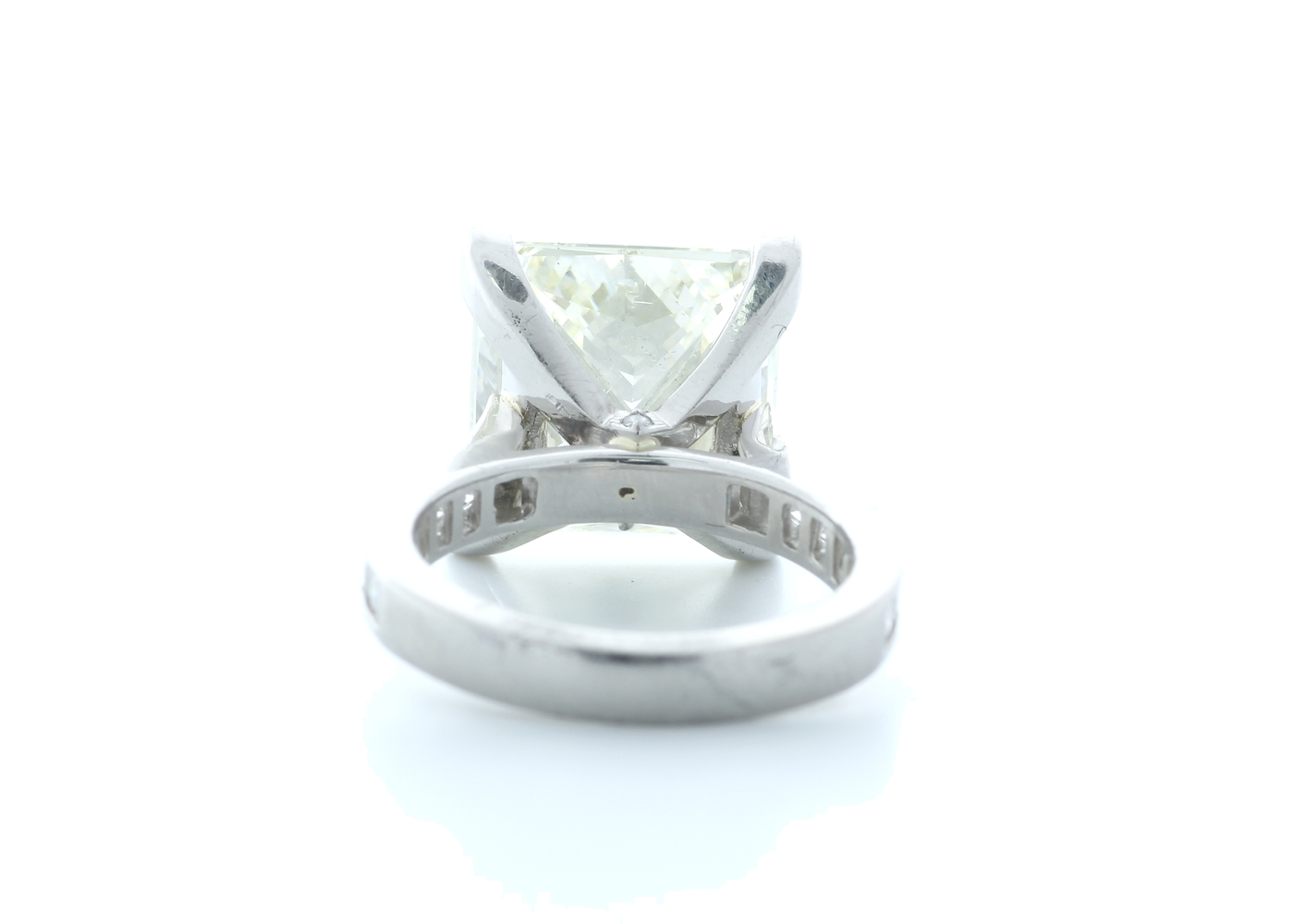 18ct White Gold Princess Cut Diamond Ring 10.00 Carats - Image 3 of 5