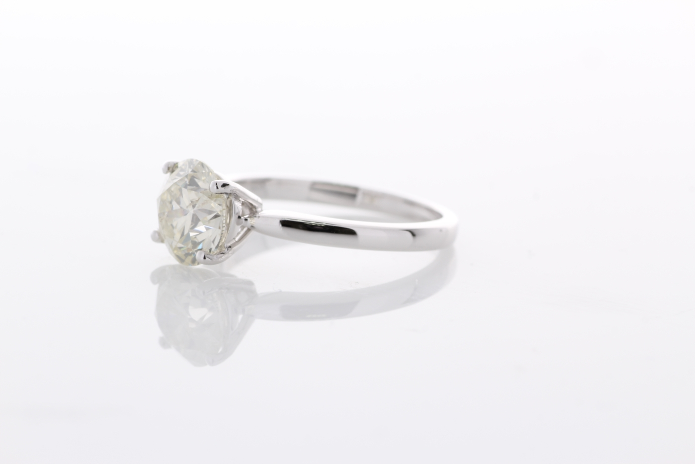 18ct White Gold Single Stone Prong Set Diamond Ring 2.02 Carats - Image 2 of 5