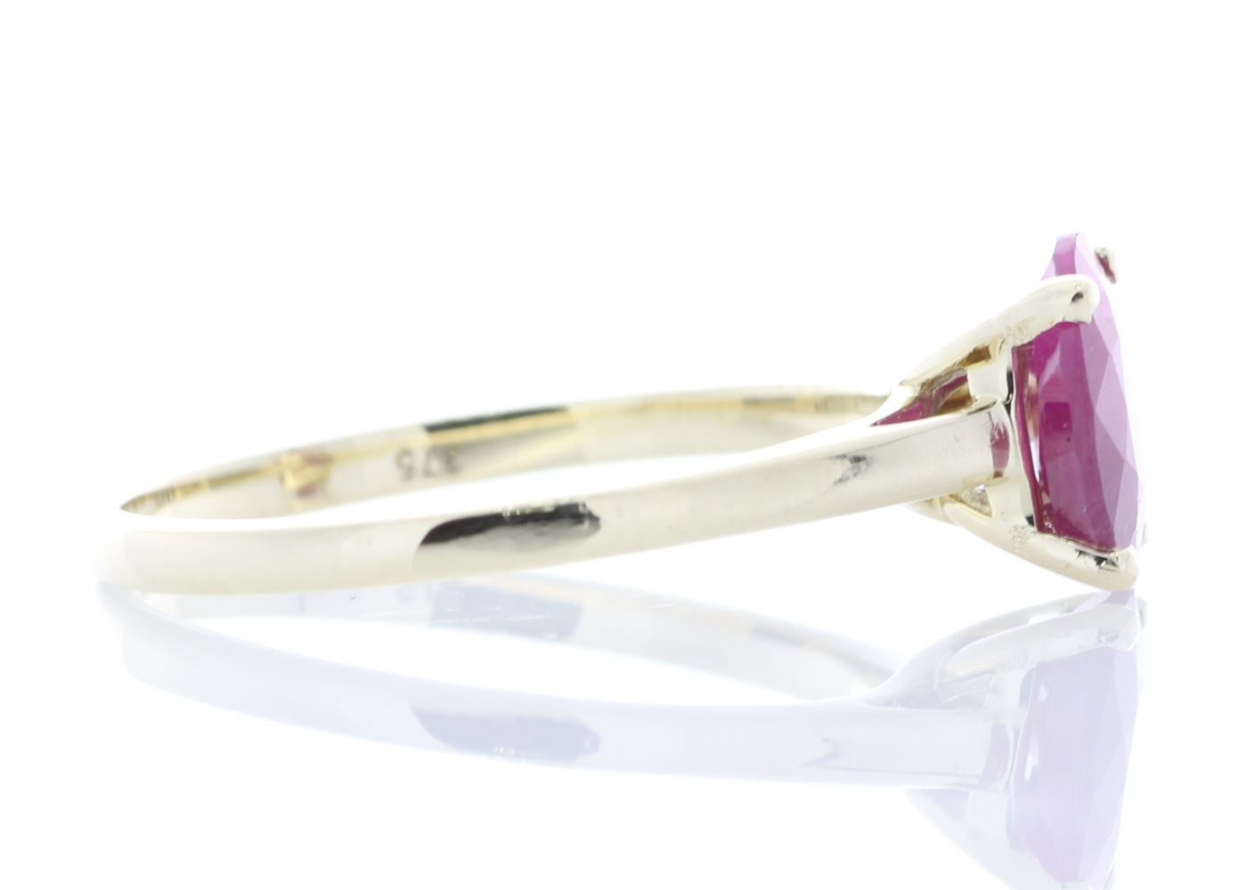 9ct Yellow Gold Oval Cut Ruby Ring 1.24 Carats - Image 4 of 4