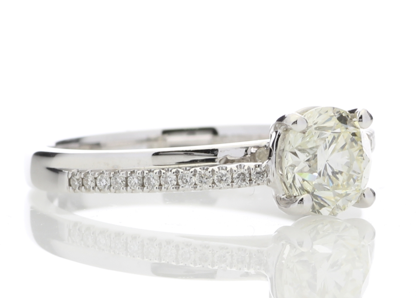 18ct White Gold Stone Set Shoulders Diamond Ring 1.11 Carats - Image 4 of 5