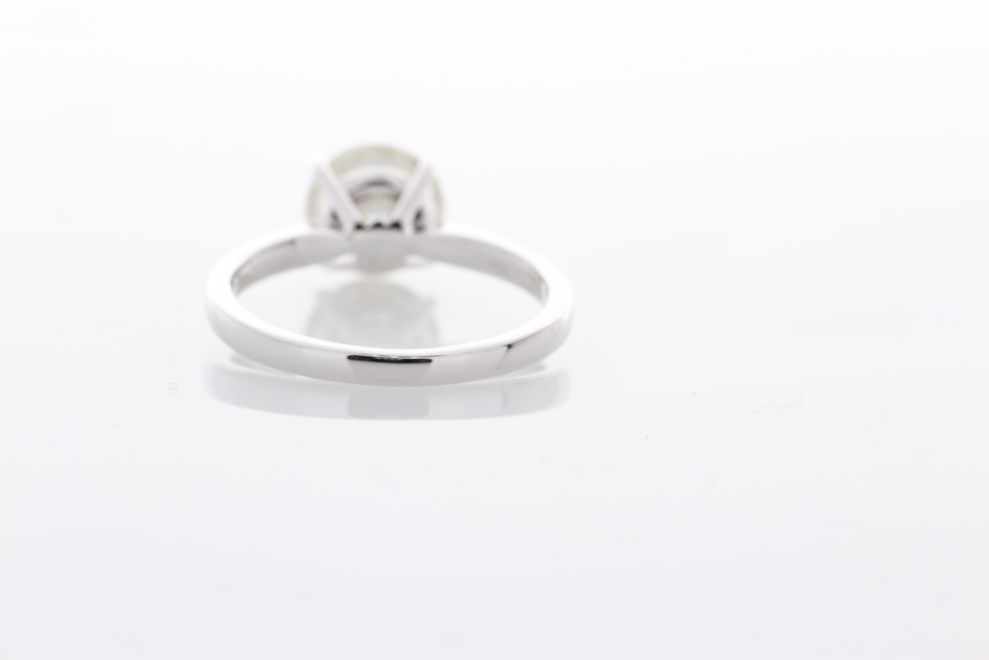 18ct White Gold Single Stone Prong Set Diamond Ring 2.02 Carats - Image 3 of 5